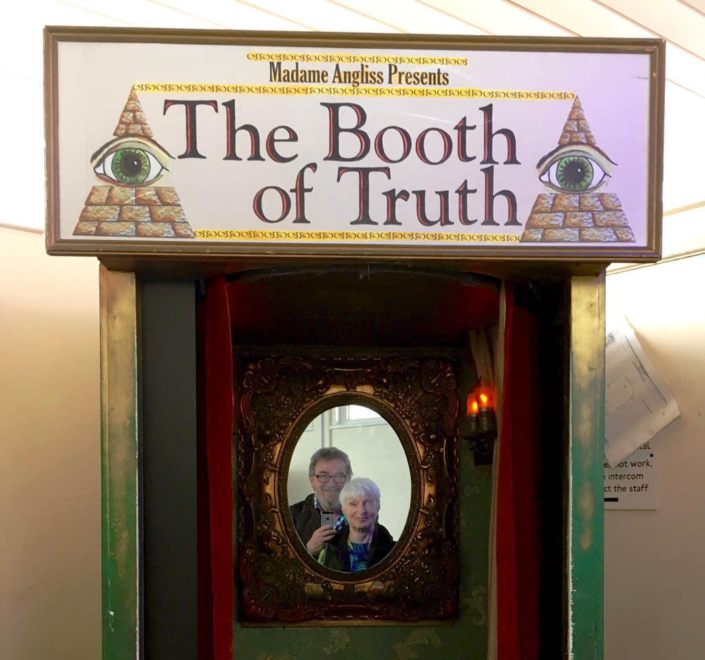 booth_of_truth
